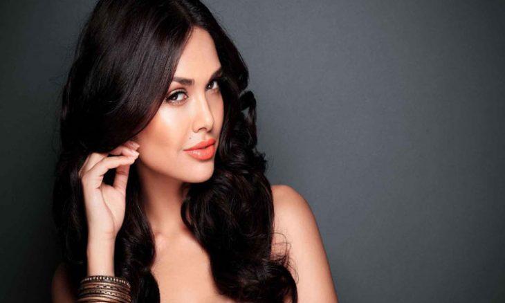 الممثلة الهندية إيشا غوبتا
